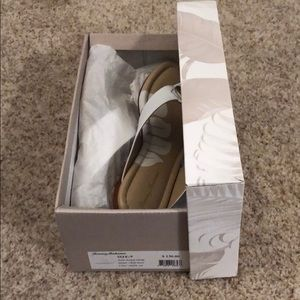 Tommy Bahamas sandals